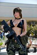 ALICE character:Big_Boss cosplay eyepatch firearm:Stoner_63 genderswap knife photo series:Metal_Gear tigerstripe // 640x960 // 74.5KB